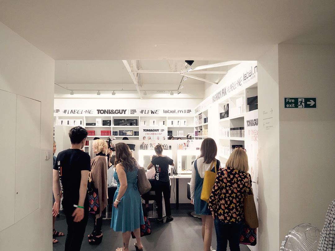 saatchi gallery-3